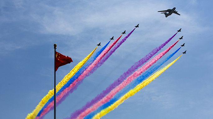 الصين تقيم عرضا عسكريا ضخما