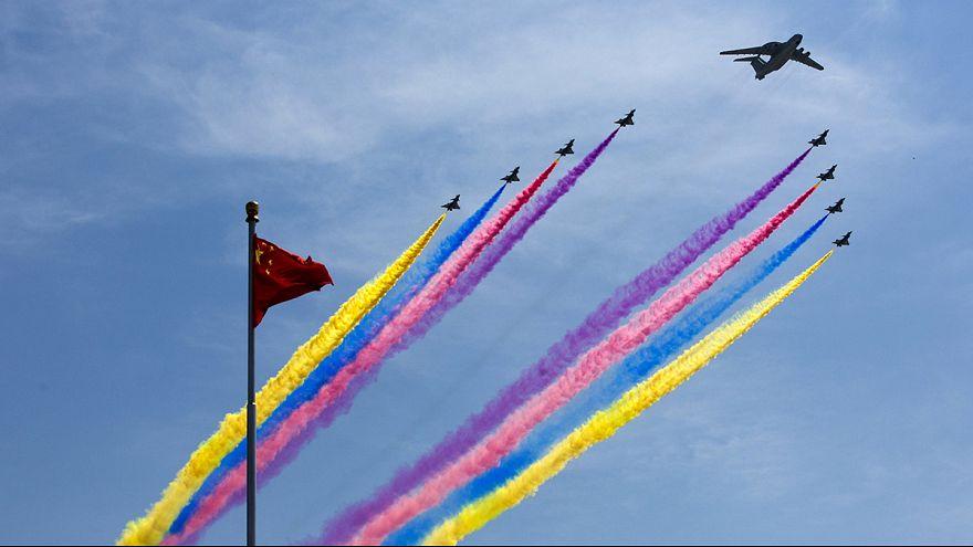 """Gewaltige Militärparade in Peking: """"Wir Chinesen lieben den Frieden"""""""