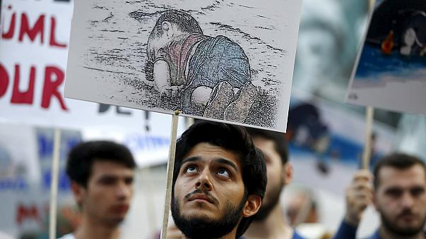 Istanbul: hundreds rally in support of migrants