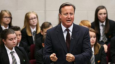 Cameron bows to pressure as Britain set to let in more Syrian refugees
