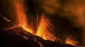 Piton de la Fournaise erupts on Reunion Island
