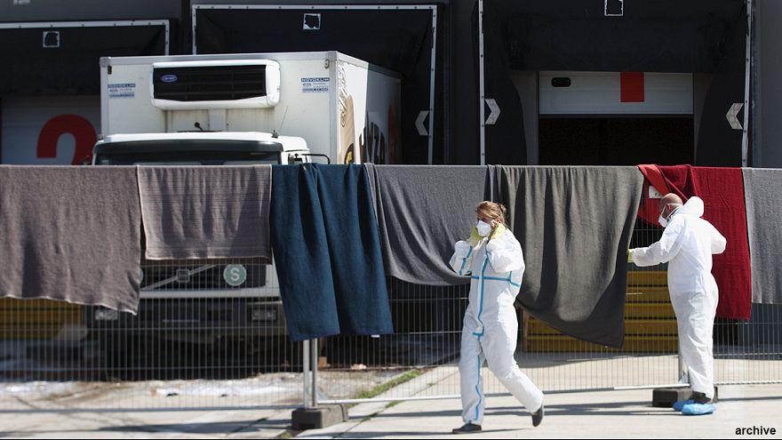 Австрия: арестован водитель грузовика, в котором задохнулись мигранты