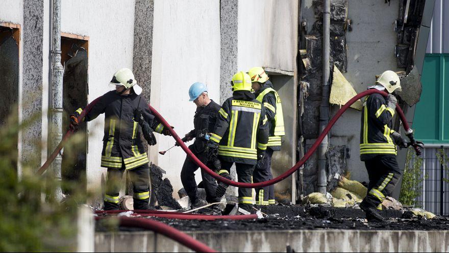 Германия. Причиной пожара в центре по приему беженцев мог стать поджог
