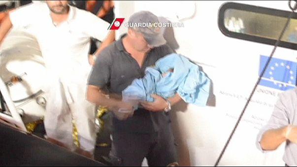 Refugiados: Um parto em alto mar e a revolta dos migrantes em Lesbos