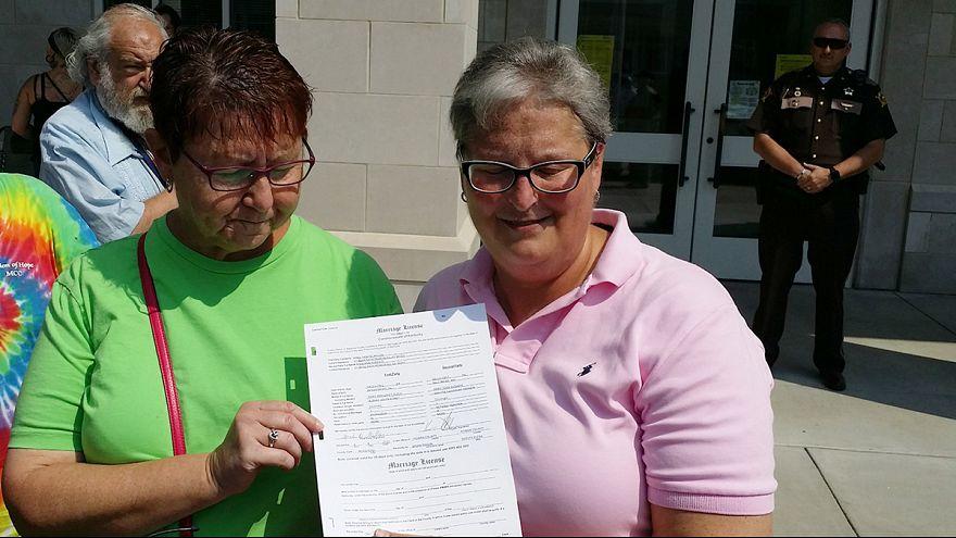 بدء إصدار تصاريح زواج للمثليين في كنتاكي الأمريكية