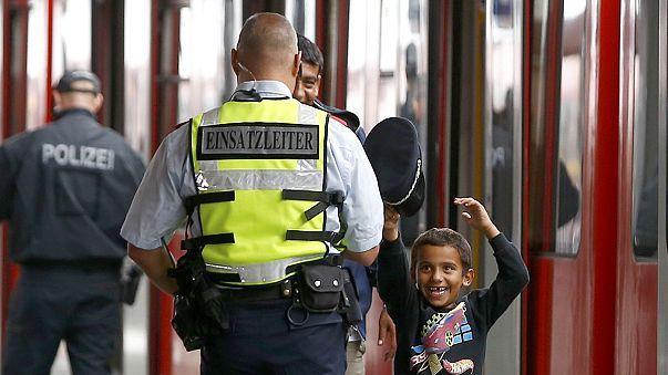 Миграционный кризис ЕС: из Венгрии в Австрию с надеждой