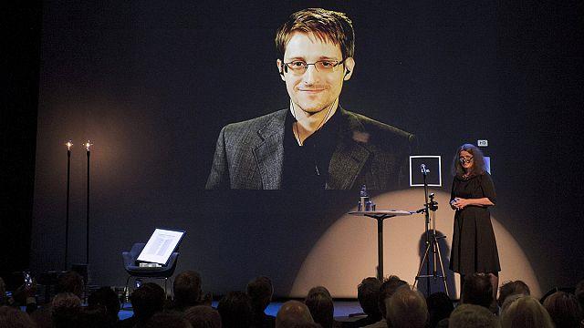 Из России - за премией... Эдвард Сноуден получил престижную норвежскую награду заочно