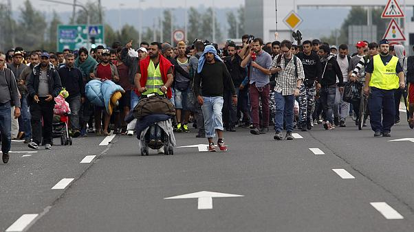 Flüchtlingskrise in Ungarn: Österreich rechnet heute mit tausenden weiteren Neuankünften