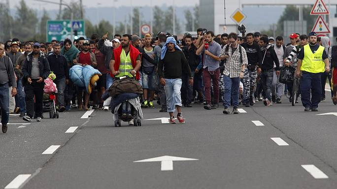Hongrie : une nouvelle marche de migrants vers l'Autriche
