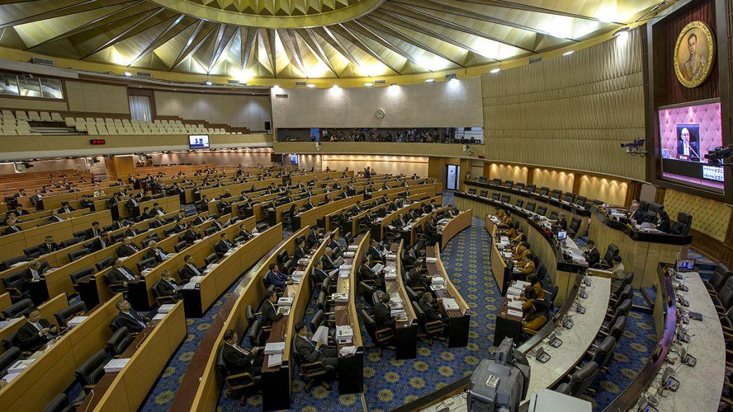 El Consejo creado por los militares golpistas de Tailandia rechaza la nueva Constitución