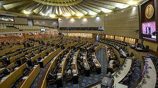 Tayland'da anayasa taslağı reddedildi