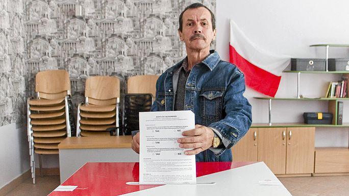 لهستان رفراندوم برگزار کرد