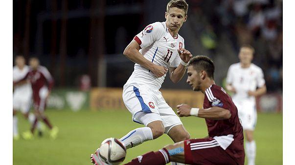 Euro 2016: Mais duas equipas com lugar garantido em França, Holanda cada vez mais longe