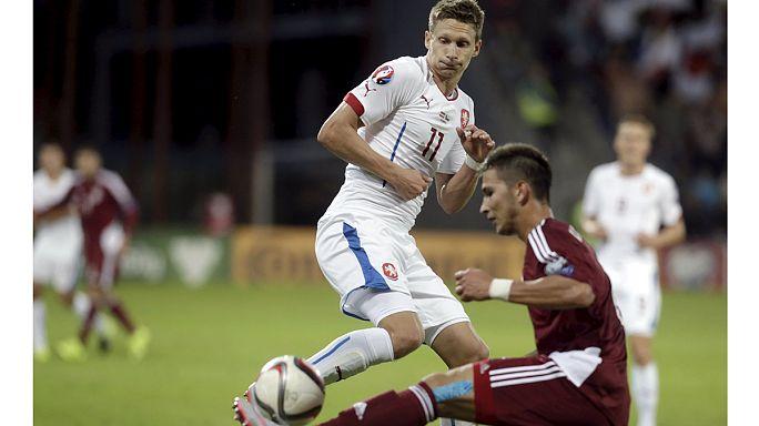 Islandais et Tchèques se qualifient pour l'Euro