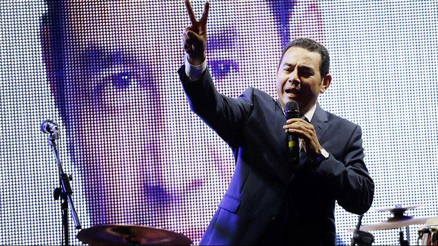 Humorista vence primeira volta das presidencias na Guatemala