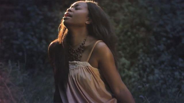 المغنية روبي أمانفو تصدرا ألبوما منفردا