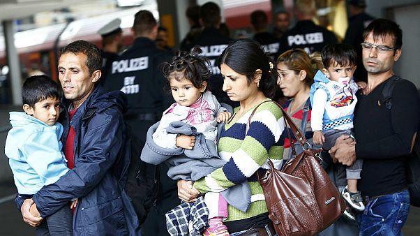 Anstrom von Flüchtlingen nach Bayern hält an