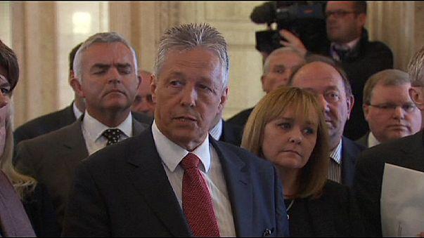 Kuzey İrlanda'da siyasi kriz sürüyor