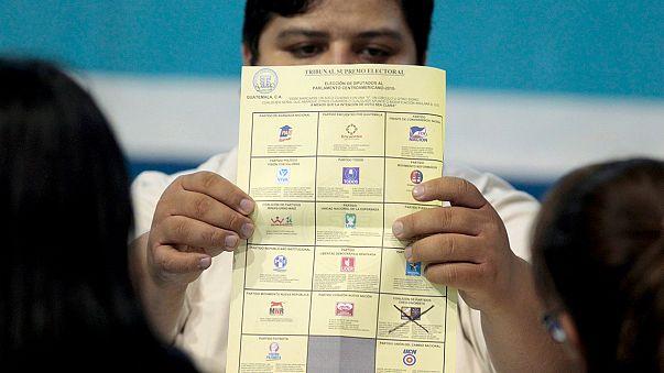 Guatemala'da başabaş devlet başkanlığı seçimleri