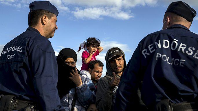 Quelque 200 réfugiés renoncent à rejoindre Budapest à pied