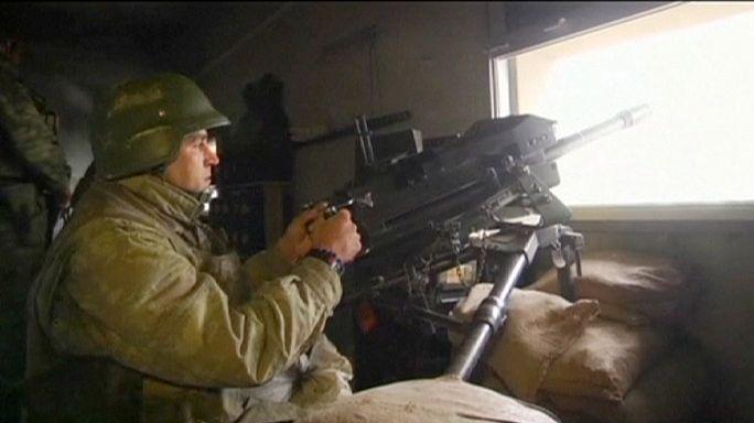 تركيا تضرب المتمردين الأكراد شمال العراق.. و مقتل 10 عناصر شرطة أتراك في تفجير حافلة