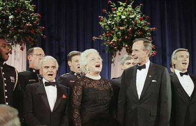 Barbara Bush and George H.W. Bush, then the vice president, sang \'God Bless America\' at a gala for the American Film Institute in Washington in September 1983.