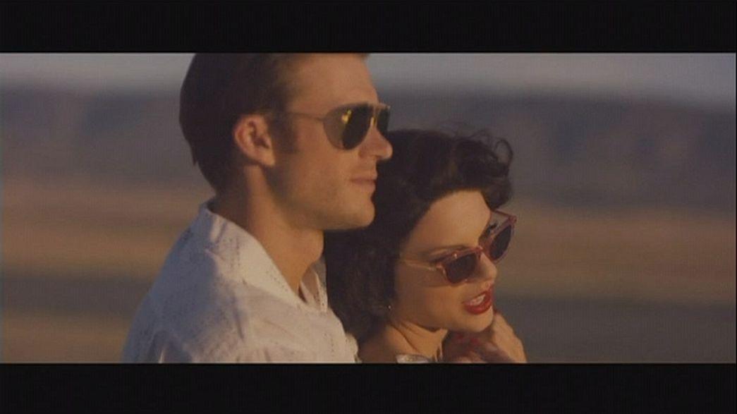 Taylor Swift kifehérített Afrika-klipje és Justin Bieber gördeszkás slágere