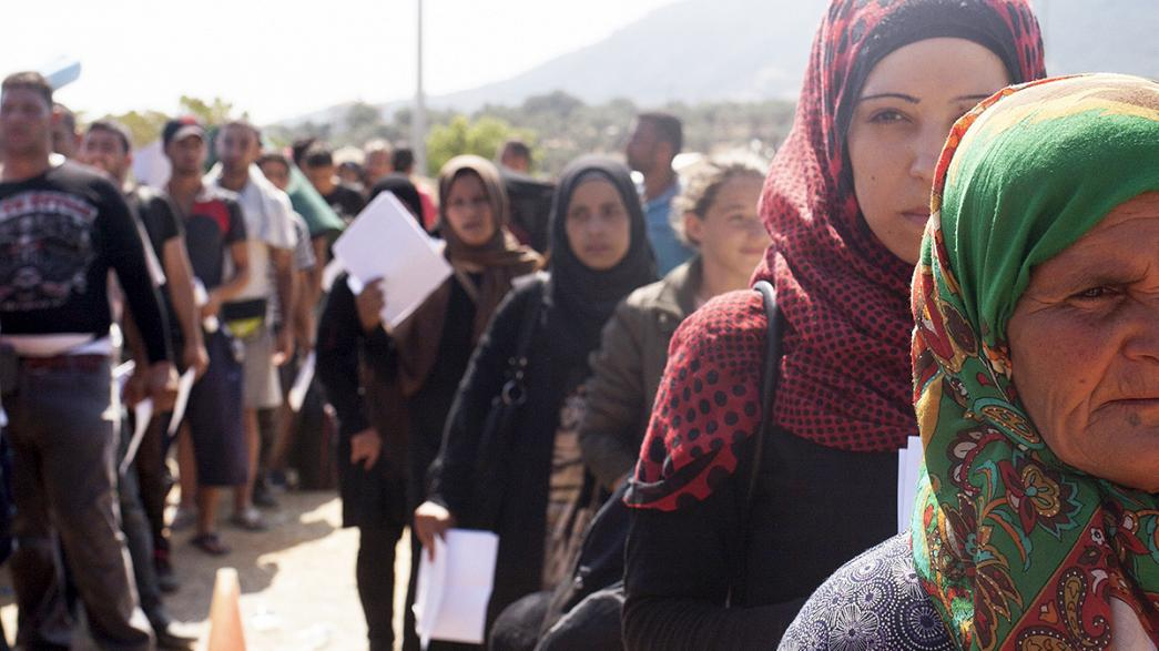 Merkel pede mais esforços dos parceiros europeus no apoio aos refugiados