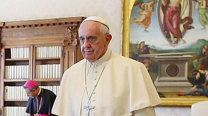 البابا يخفف اجراءات فسخ الزواج ويجعله مجانيا