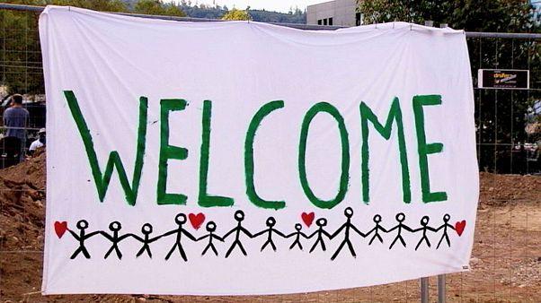 Das deutsche Freiburg heißt Hunderte Flüchtlinge willkommen