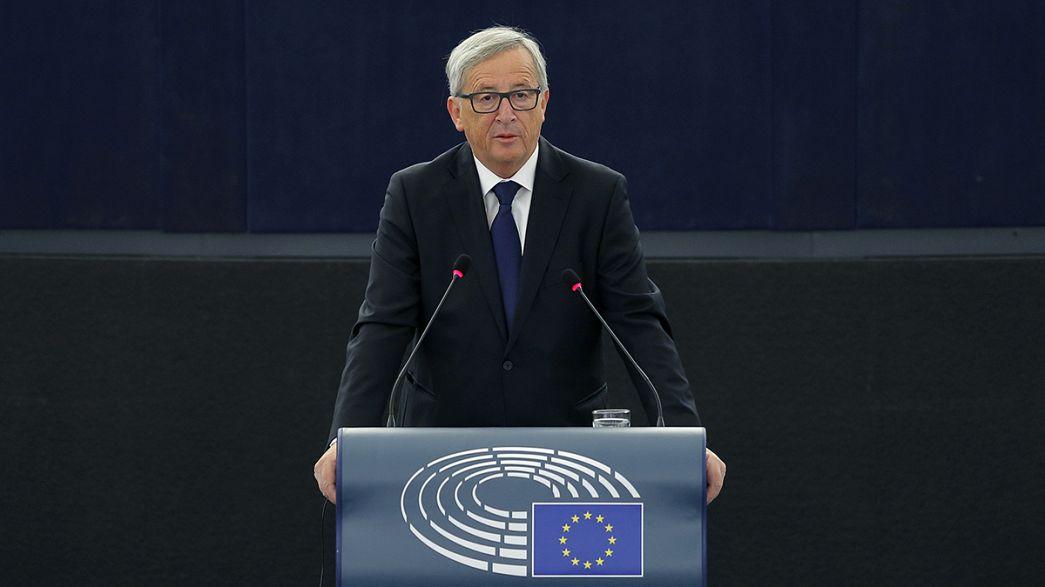 Juncker pede solidariedade europeia para a distribuição de refugiados