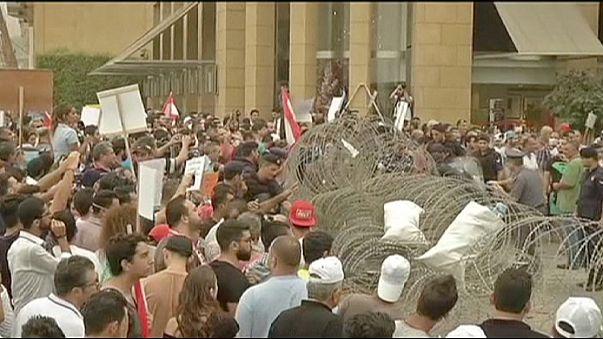 إقرار خطة حكومية لحل أزمة النفايات في بيروت