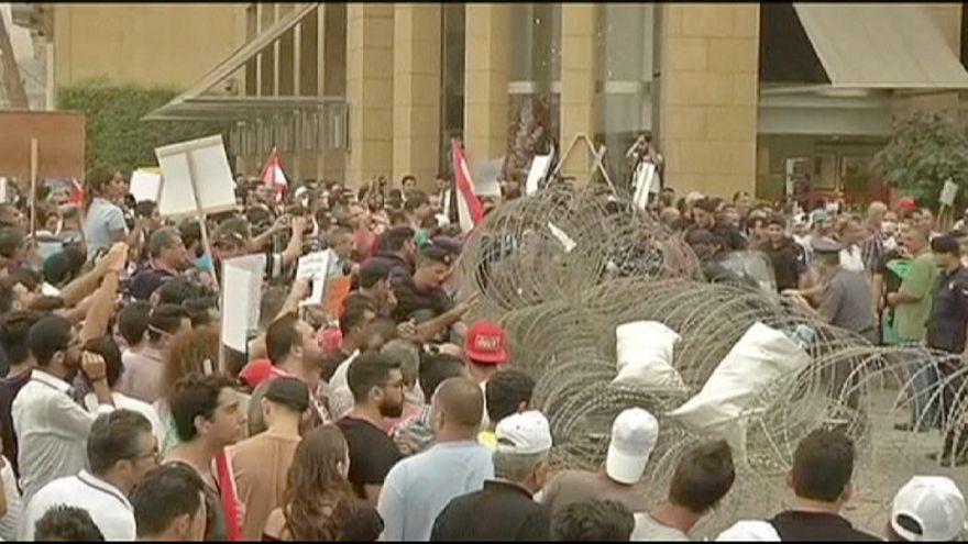 """""""O povo tem de encetar uma revolução no Líbano"""""""