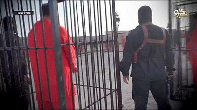 Estado Islâmico publica anúncio para vender dois reféns