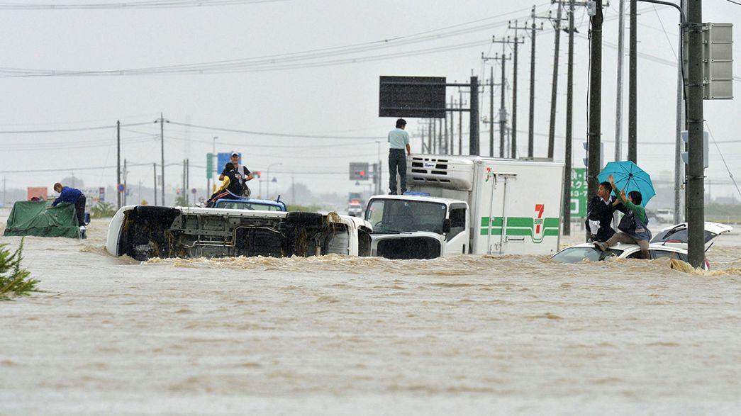 Devastação em resultado de chuvas torrenciais no Japão