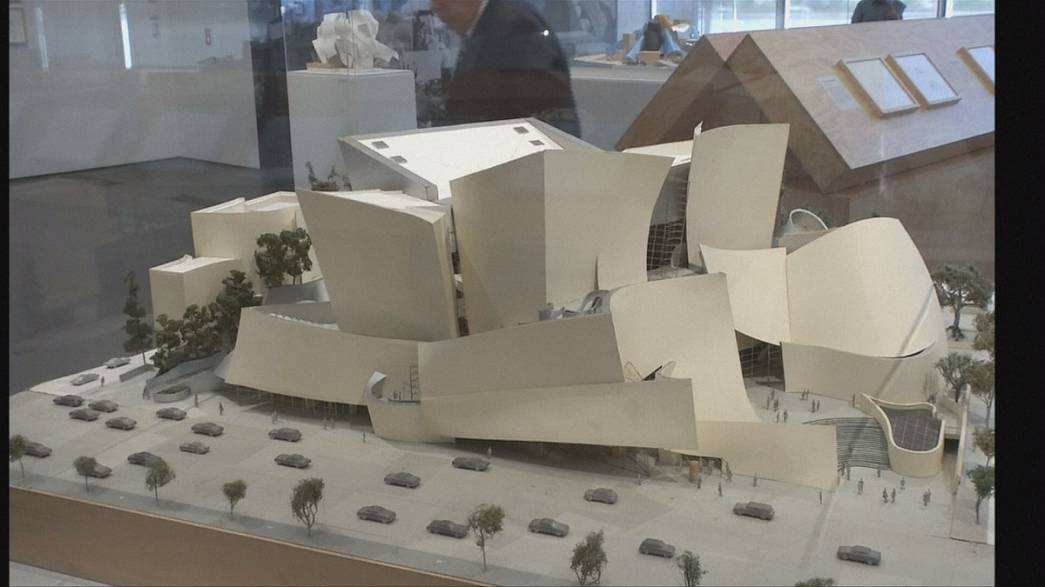 Los Angeles celebra l'architetto Frank Gehry.