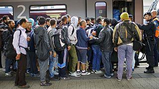 Αυστρία- μετανάστες : Διεκόπησαν τα δρομολόγια τρένων προς Ουγγαρία