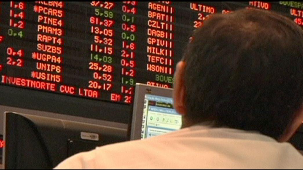 """Scandali e recessione in Brasile, S&P taglia il rating a """"spazzatura"""""""