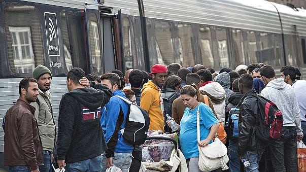 Dinamarca levanta barreiras a refugiados que se dirigem para a Suécia