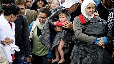 Macedonian authorities manhandle refugees at border