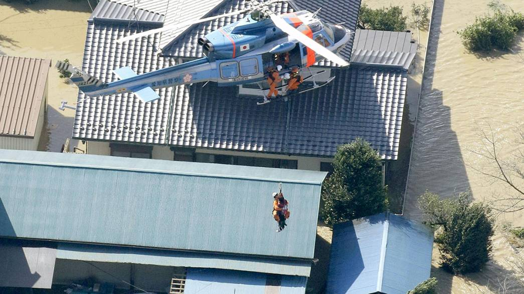Giappone mobilitato per soccorrere le vittime delle inondazioni
