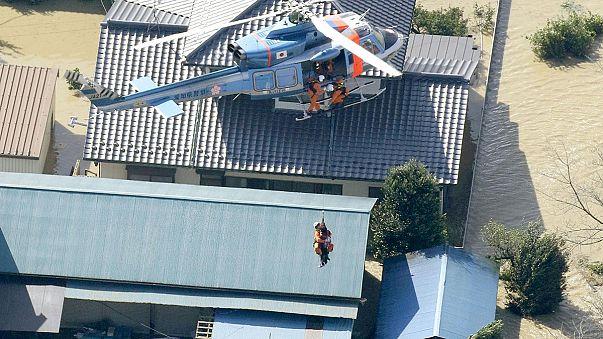 """""""Etau"""" deja 3 muertos y 26 desaparecidos en Japón"""