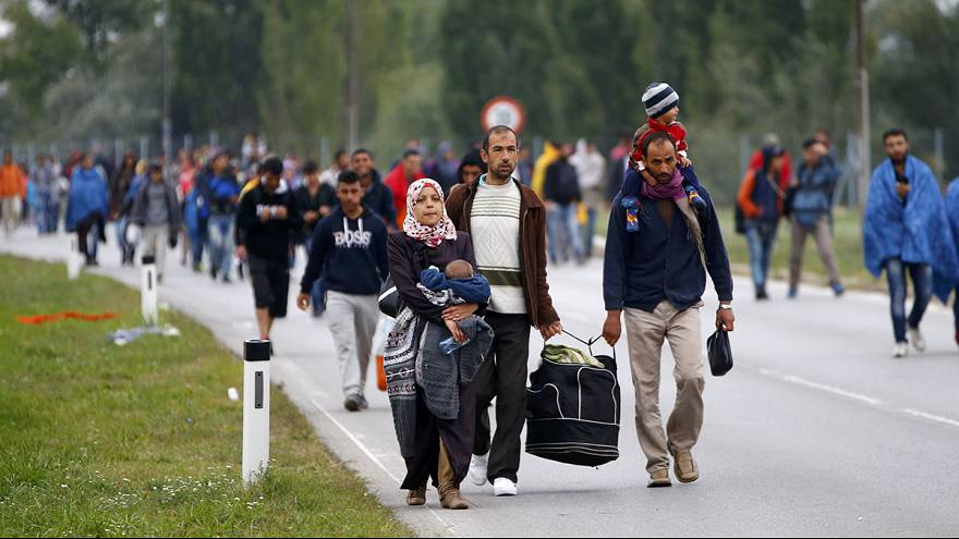 Austria closes motorway between Vienna and Hungarian border