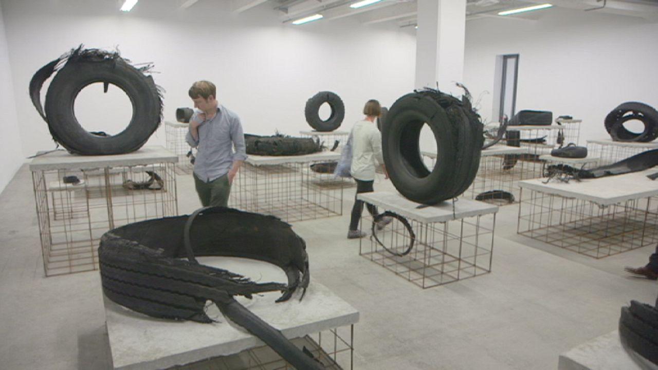 La vie moderne: Kunstbiennale in Lyon eröffnet