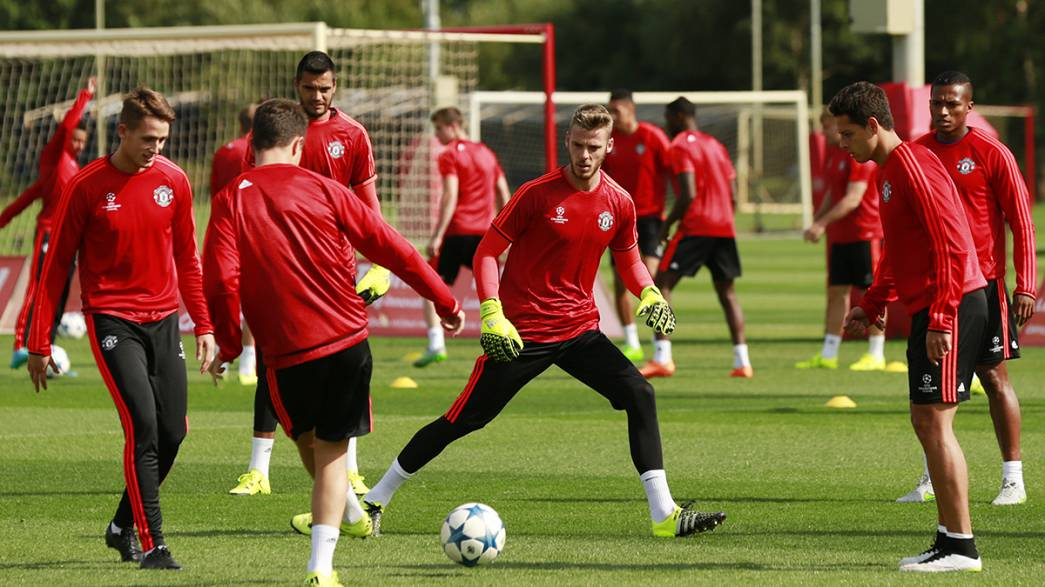 Mercato: niente Real, De Gea rinnova con lo United fino al 2019