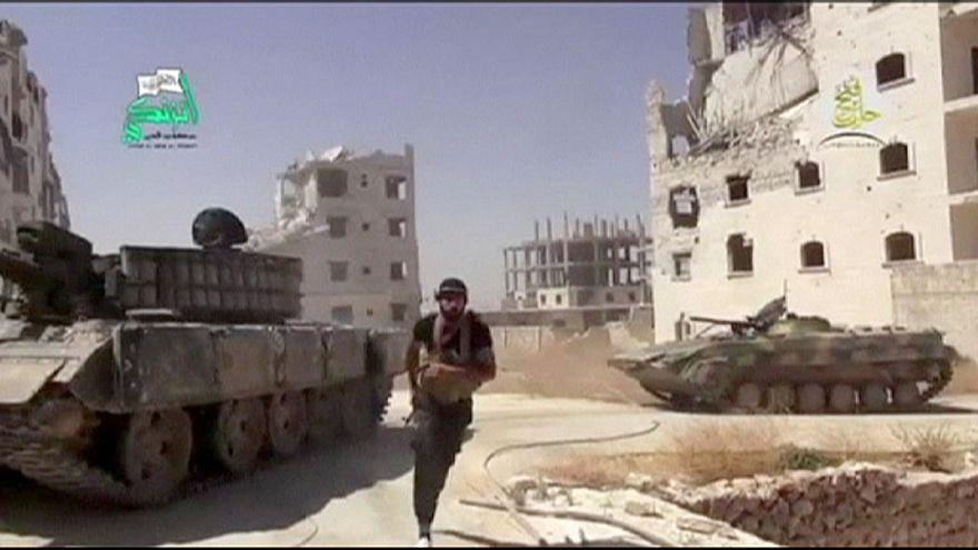 Aszad száműzött unokatestvére szerint a Nyugat felelőssége is a szíriai káosz