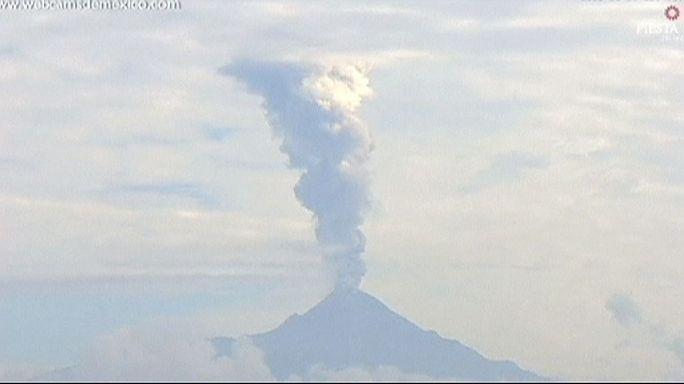 تواصل نشاط بركان كوليما بالمكسيك