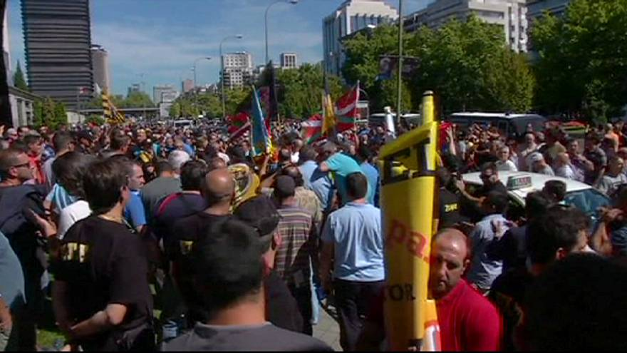 Taxi drivers latest anti-Uber demos hit Madrid