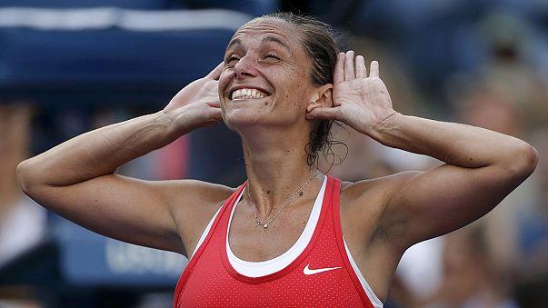 في مفأجاة كبرى هزيمة سيرينا ويليامز أمام المصنفة 43 عالميا في نصف نهائي بطولة أمريكا المفتوحة