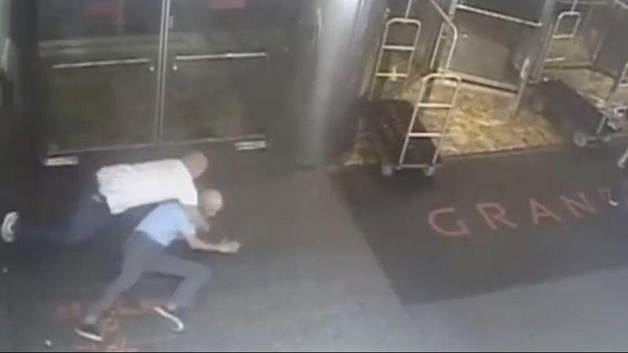 La police de New York diffuse la vidéo de l'arrestation par erreur de James Blake